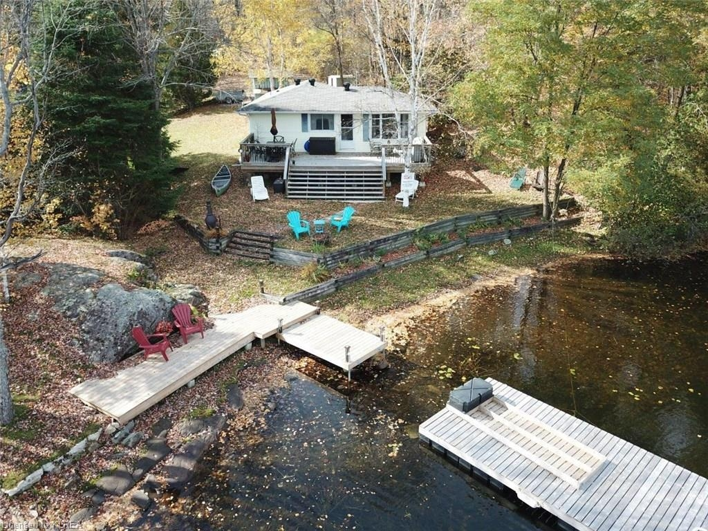 1057 canuck trail, Minden Ontario, Canada Located on Davis Lake